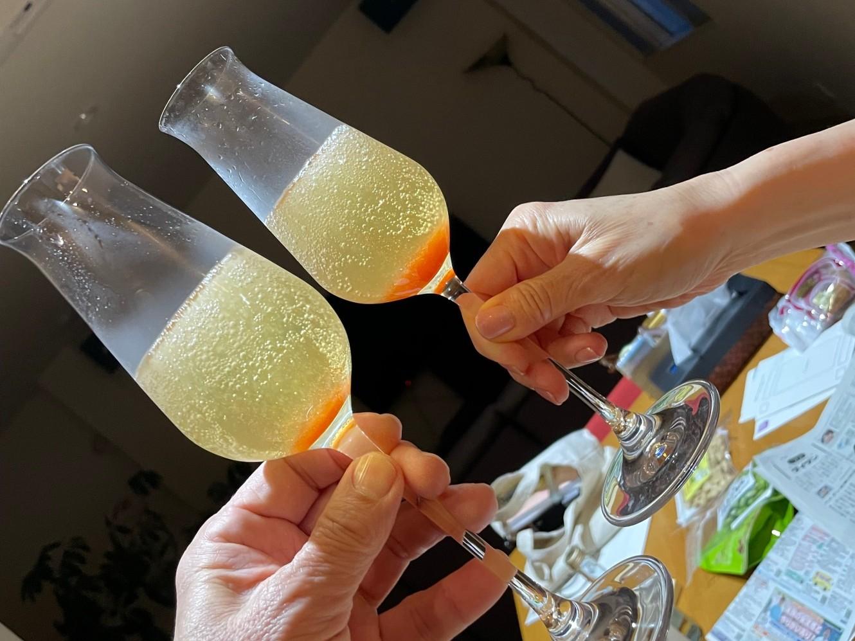 いちごシロップとシャンパン